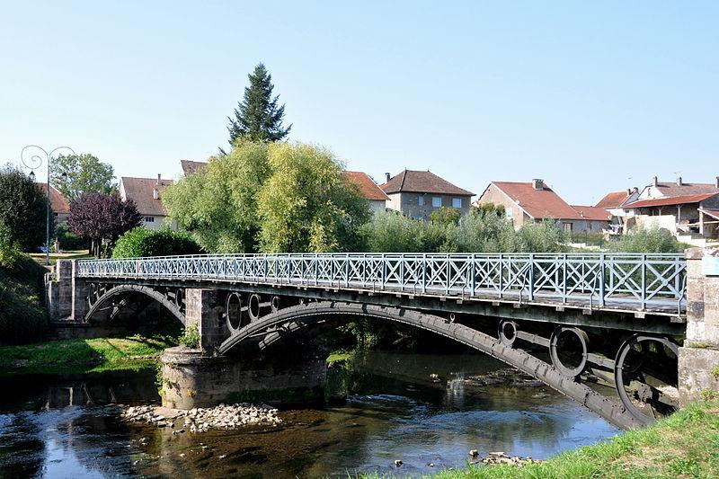File:Bourguignon-lès-Conflans - pont métallique sur la Lanterne 03a.JPG