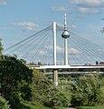Brücke und Fernsehturm - panoramio.jpg