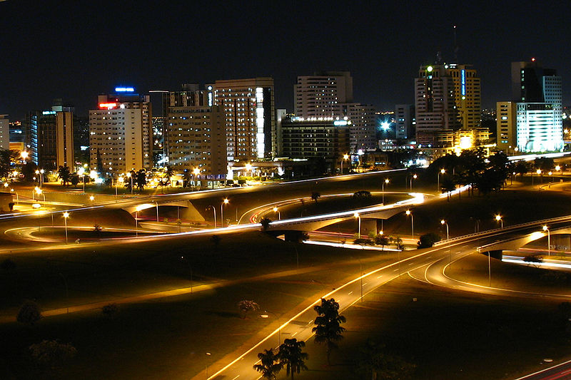 http://upload.wikimedia.org/wikipedia/commons/thumb/2/21/Brasilia_night.jpg/800px-Brasilia_night.jpg