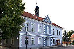 Brodce, old town hall.jpg