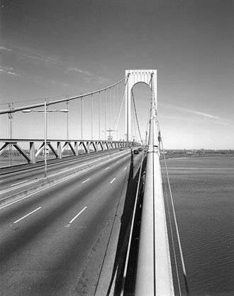 Bronx–Whitestone Bridge - View of the roadway and a tower, showing stiffening trusses