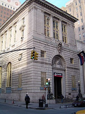 York and Sawyer - The former headquarters of the Brooklyn Trust Company (now a branch of Chase) in Brooklyn Heights, modeled after the Palazzo della Gran Guardia in Verona.