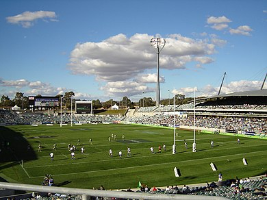 Canberra Raiders vs. Canterbury Bulldogs in a March 2005 match at Canberra Stadium