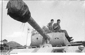 Gun mantlet - Image: Bundesarchiv Bild 101I 476 2051 33A, Italien, Panzer V (Panther)