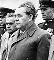 Bundesarchiv Bild 183-V08564, Berlin-Treptow, sowjetische Ehrenmal, Einweihung cropped to highlight PM on small screens.jpg