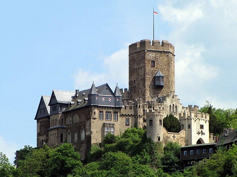 Datei:Burg Lahneck 2010.jpg