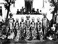COLLECTIE tropenmuseum Groepsportret van legong-danseressen Bali TMnr 60019065.jpg
