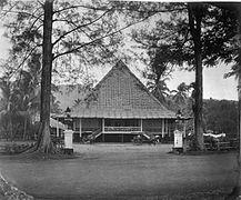 COLLECTIE TROPENMUSEUM Het Sumatra Hotel te Padang TMnr 60009486.jpg