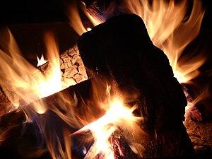 English: Campfire flames