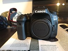 Description de l'image Canon EOS 90D.jpg.