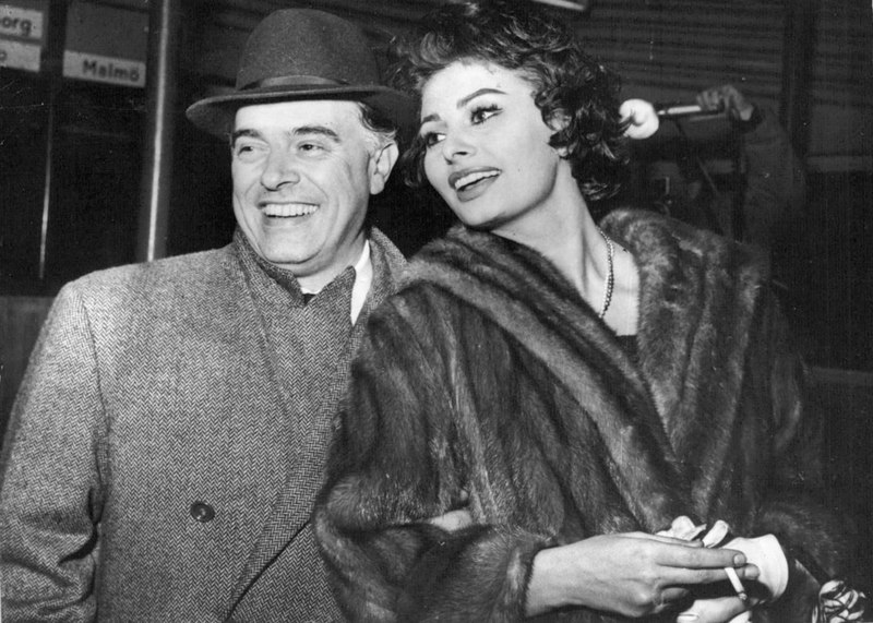 File:Carlo-Ponti-and-Sophia-Loren-in-Copenhagen-142462274996.jpg