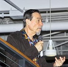 Carver Mead at CHM Apr-2005.jpg
