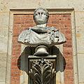 Château de Versailles, cour de marbre, buste de Domitien, Vdse 86 03.jpg