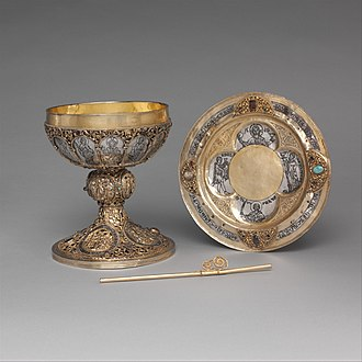 Ensemble for the celebration of the Eucharist (Metropolitan Museum of Art) - The complete ensemble, containing a paten, chalice, and straw