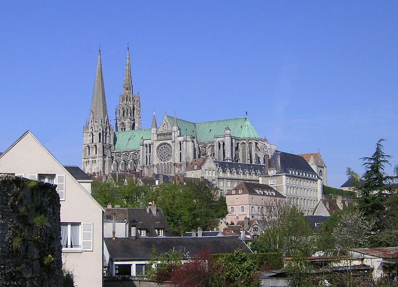 File:Chartres Cathedral 000.JPG