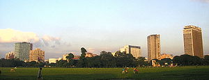 Maidan (Kolkata) - Kolkata skyline from the Maidan