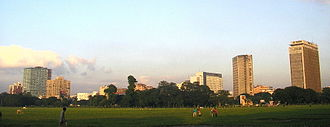 Maidan (Kolkata) - Kolkata skyline from the Maidan