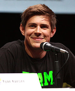 Chris Lowell på San Diego Comic-Con International 2013.
