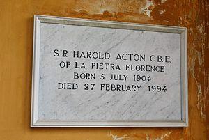 Cimitero degli Allori - Image: Cimitero degli Allori, Harold Acton