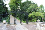 Clare College, Cambridge - Gateway on West Side of Clare Bridge 03.JPG