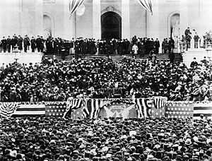 Second inauguration of Grover Cleveland - Cleveland delivering his second inaugural address.