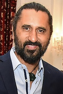 Cliff Curtis (cropped).jpg