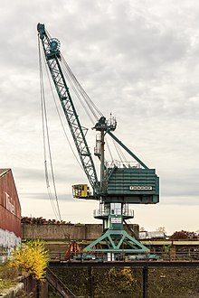 Cologne Germany TAKRAF-crane-in-Deutzer-Hafen-01.jpg