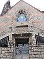 Com linhas arquitetônicas baseadas em igrejas francesas, a Paróquia de São Domingos data de 1952. Foi inaugurada sob a denominação de Capela de Nossa Senhora do Rosário e só recebeu o atual nome 16 anos m - panoramio.jpg