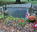 Concord Massachusetts near bridge grave marker for fallen British soldiers in skirmishes during Revolutionary War.JPG