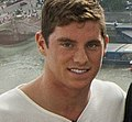 Conor Dwyer on the London Eye (7760774992) (1).jpg