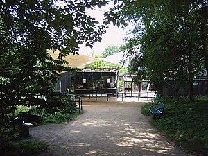 Cottbus Zoo - Image: Cottbus Tierpark Eingang