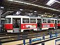 DOD vozovna Strašnice, tramvaj 8408 v hale.jpg