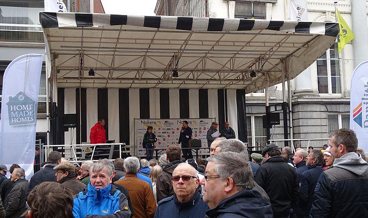 Deinze - Nokere Koerse, 18 maart 2015, vertrek (B02).JPG