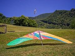 Deltaplano a Gardone Riviera Lago di Garda.jpg