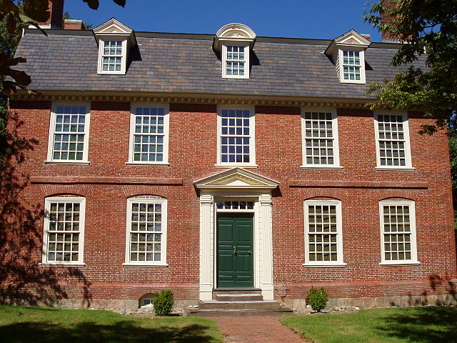 Colonial style house old colonial brick house of new england for Colonial brick