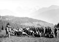 Die rekonvaleszenten Soldaten bei Schwingübungen - CH-BAR - 3241419.tif