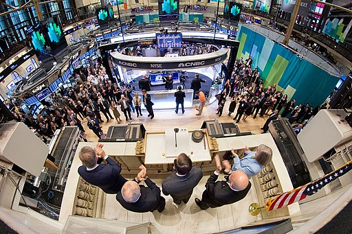 Director Petraeus rings opening bell at NY Stock Exchange