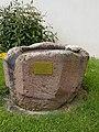 Dittigheim Kulturdenkmal 32 achteckiger Taufstein - 2.jpg
