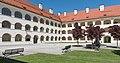 Eberndorf Stiftsgebäude barocker Arkadenhof 07052015 3333.jpg