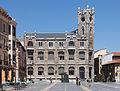 Edificio na Praza Regla. León 57.jpg