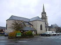 Eglise paroissiale de Querrien.JPG
