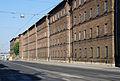 Eichenstraße Arbeiterwohnhäuser 5-23 Teiltotale ohne Autos.jpg
