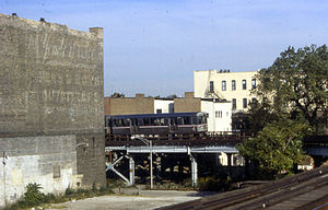 Sedgwick station (CTA) - El train by the station in 1987