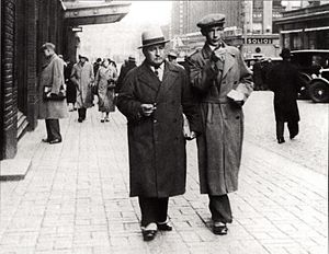 Nils Ferlin - Ferlin (right) and Finnish poet Elmer Diktonius in Helsinki, 1936.