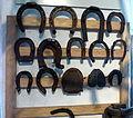 Engelhartszell Hufschmiedemuseum - Schmiede 5 Hufeisen.jpg