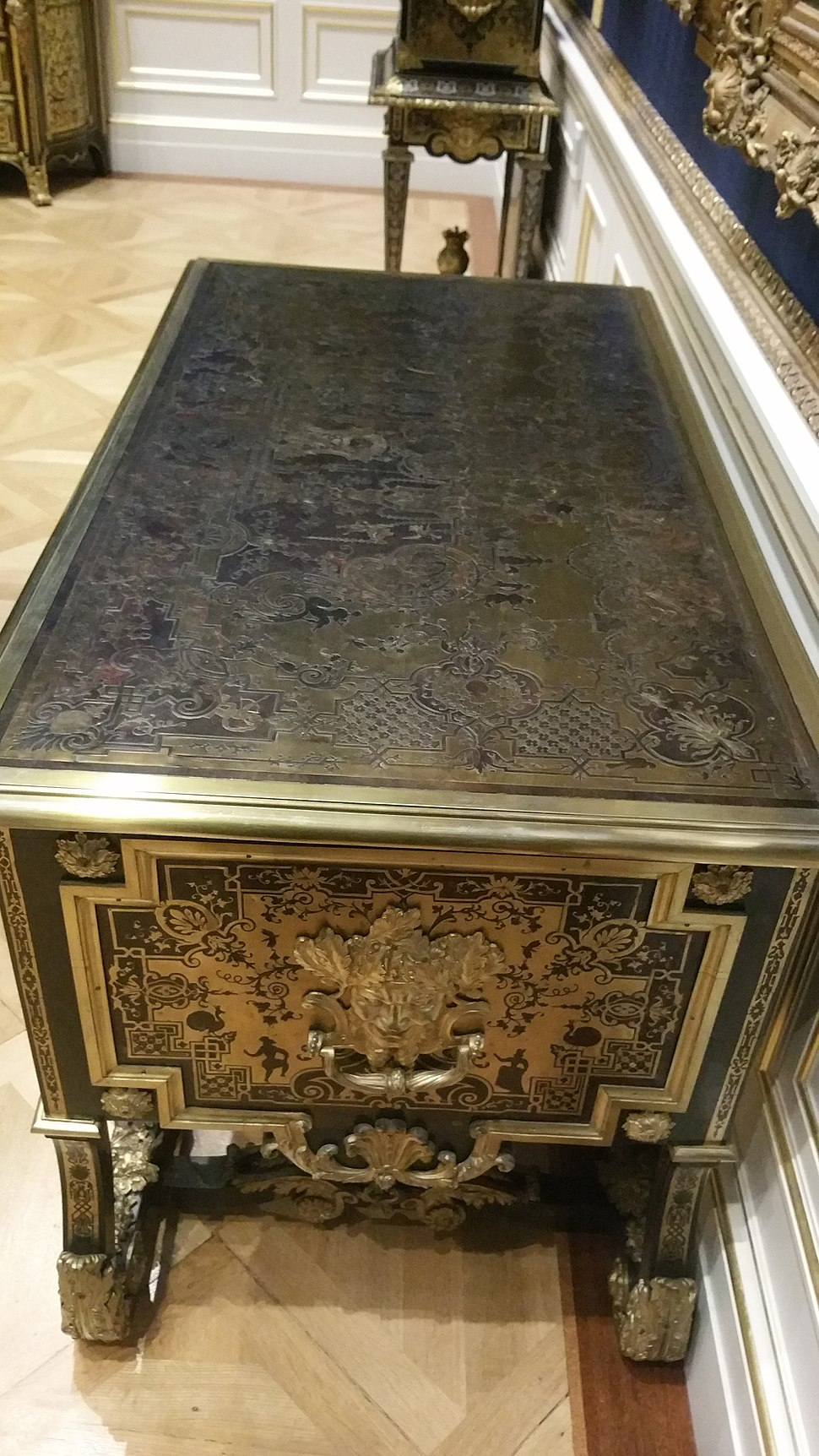 Example of Boulle Marquetry from the Wallace Collection in London 7