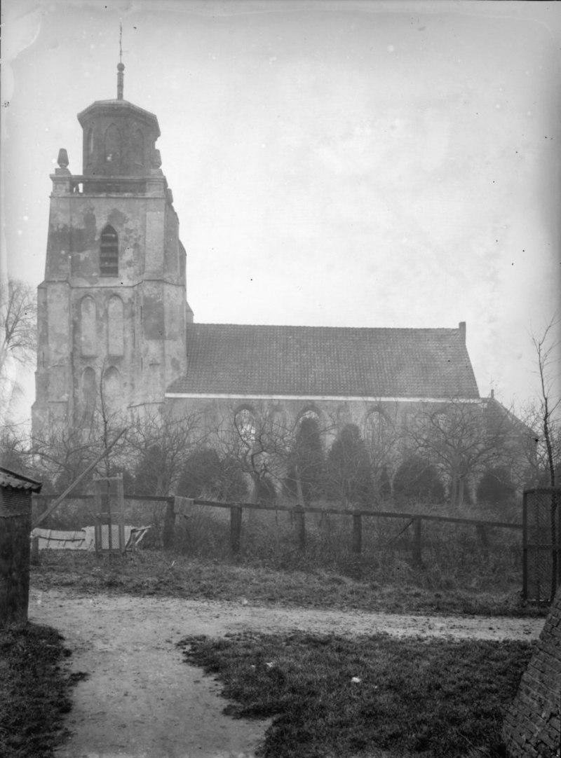 Nederlands hervormde kerk en kerkhof in 39 s heer for Exterieur kelder