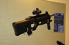 F 2000 220px-FN_F-2000.JPG