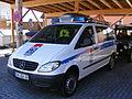 File-Bergrettungs-KFZ des Bayerischen Roten Kreuzes (Mercedes Benz Vito) KV AS - links vorn.jpg