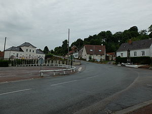 Fillièvres - Place du commandant Louis Helle - 2.JPG